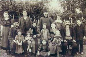 Karadenizli aileler kalabalık olduğundan akrabalık terminolojisini hakkıyla kullanmaktaydı