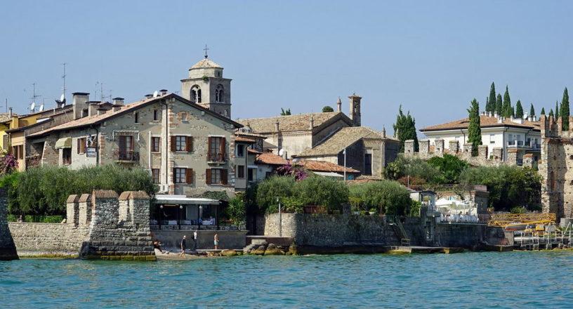 Sirmione Garda Italya Tarihi Bina